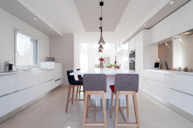 Cuisine design finition extr me blanc mod le sigma par for Architecte italien contemporain
