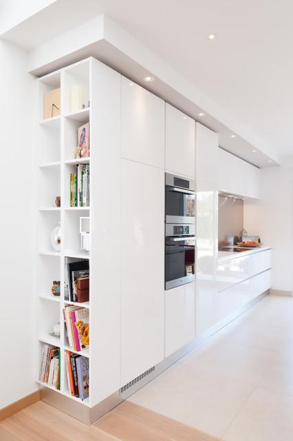 Cuisine Design GD Cucine Finition Extrême Blanc Modèle SPACE - La cuisine dans le bain