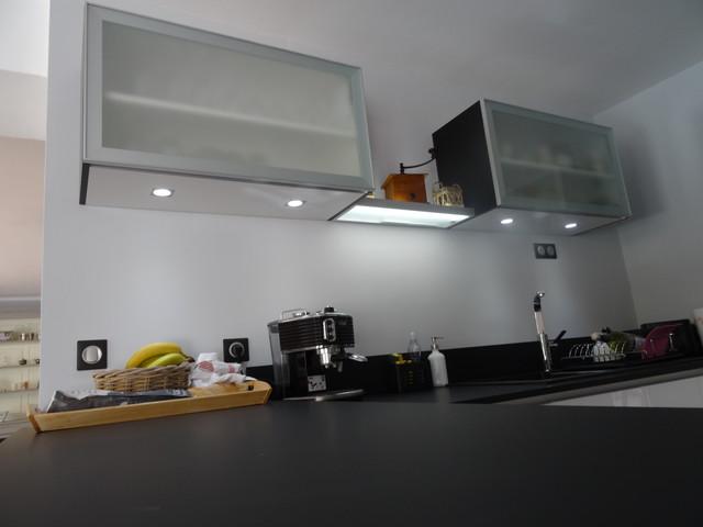 plan de travail laqu blanc brillant fabulous plan de travail laqu blanc brillant with plan de. Black Bedroom Furniture Sets. Home Design Ideas