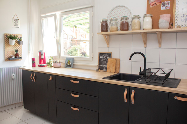 Design Ideas For A Mid Sized Scandinavian Kitchen In Strasbourg With A  Single Bowl