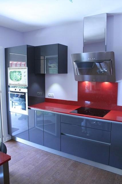 cuisine laqu e sans poign e avec gorges alu moderne cuisine nice par crea cuisine. Black Bedroom Furniture Sets. Home Design Ideas