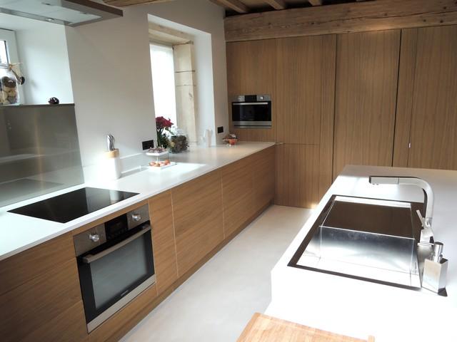cuisine moderne ch ne et b ton cir moderne cuisine lyon par color chocolate. Black Bedroom Furniture Sets. Home Design Ideas