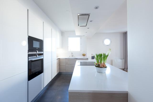 Cuisine moderne et lumineuse - Modern - Küche - Paris - von ...