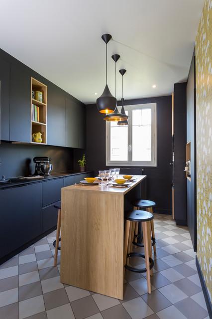 Cuisine Noire Mat Et Bois Contemporary Kitchen Paris By