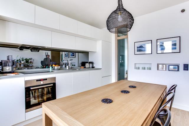 Cuisine ouverte blanche sur mesure scandinavian - Cuisine blanche ouverte sur salon ...