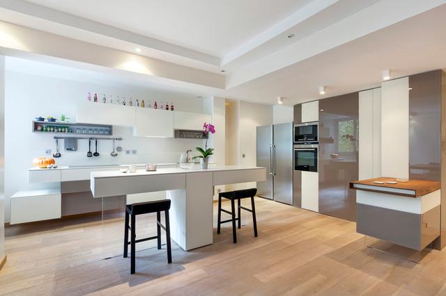 grand appartement parisien lumineux contemporain cuisine paris par arlydesign. Black Bedroom Furniture Sets. Home Design Ideas