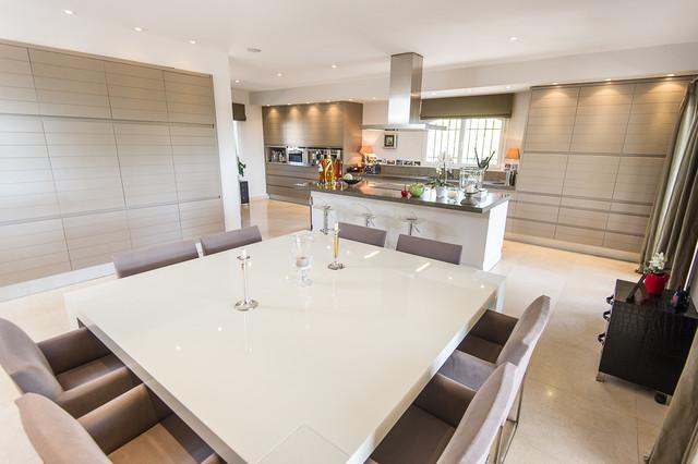 Grande cuisine moderne - Transitional - Kitchen - Nice - by Benjamin ...