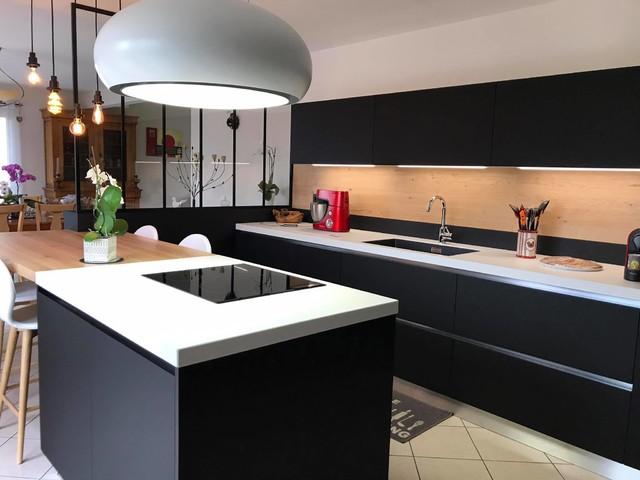 Hotte Lustre Design Dans Cuisine Industrielle Modern Kitchen