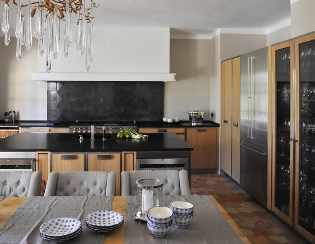 l 39 atelier de saint paul clectique cuisine other metro. Black Bedroom Furniture Sets. Home Design Ideas