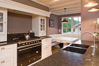 lacanche piano de cuisson gastronome classique chic cuisine dijon par chantal lombard. Black Bedroom Furniture Sets. Home Design Ideas