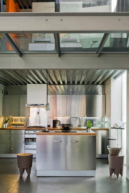 Loft industriel industriel cuisine paris par julien clapot - Cuisine loft industriel ...