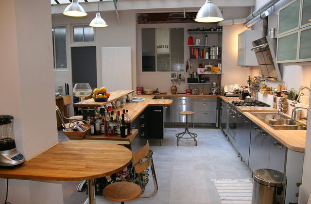 Loft paris industrial kitchen marseille by cabinet - Boutons et poignees meubles cuisine ...