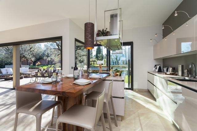 maison d 39 architecte chateauneuf. Black Bedroom Furniture Sets. Home Design Ideas