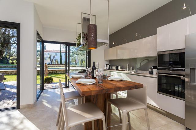 Maison d 39 architecte contemporain cuisine nice par - Decoration cuisine contemporaine ...