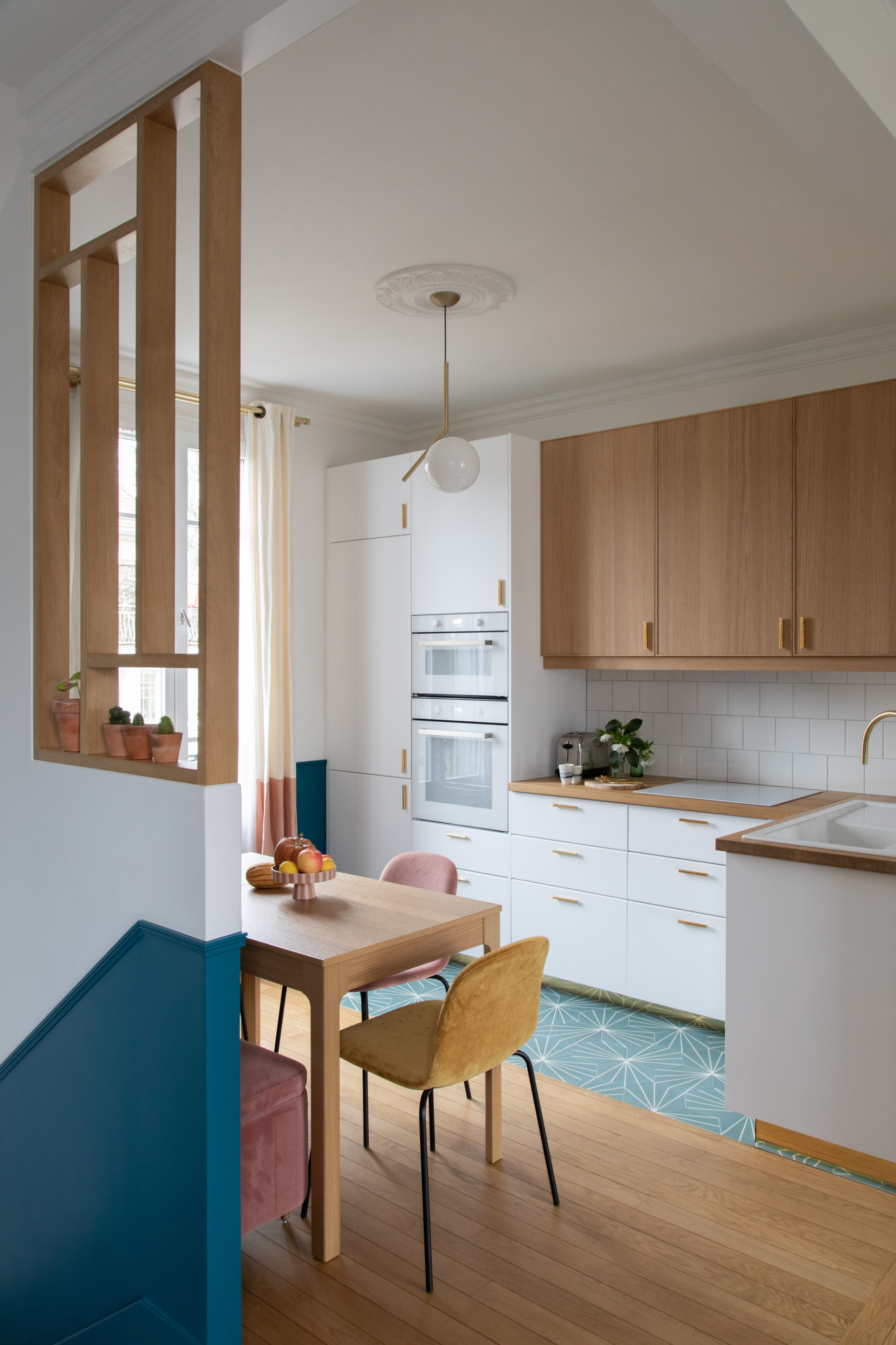 Image of: 75 Beautiful Modern Kitchen With Beaded Inset Cabinets Pictures Ideas November 2020 Houzz