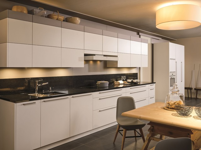 Decoration Salon Rouge Blanc Et Gris :  cuisine 2015  Modern  Kitchen  other metro  by CUISINE ESSENTIEL