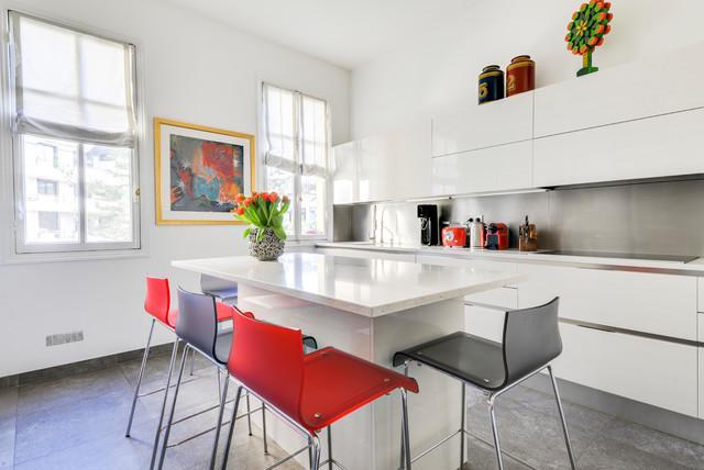Paris XVI, appartement familial haussmanien contemporain-cuisine