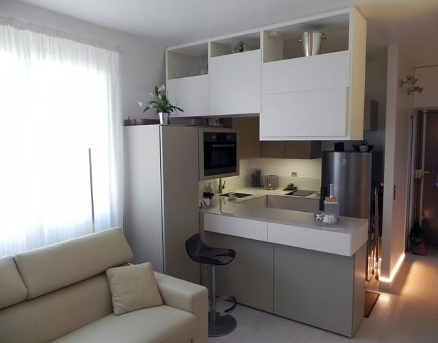 Petit appartement de 40m2 Cuisine, Entrée, Salon, Dressing. - Modern ...