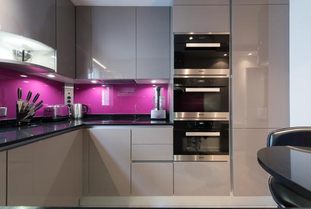 petite cuisine ferme optimise en amnagement contemporary kitchen