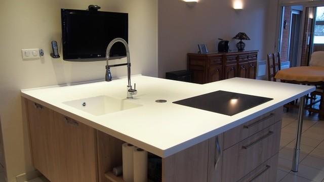 cool plan de travail cuisine corian betacryl montauban with plan de travail corian pas cher. Black Bedroom Furniture Sets. Home Design Ideas
