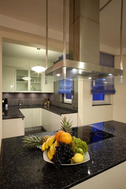 plan de travail en granit labrador bleu nuit classique. Black Bedroom Furniture Sets. Home Design Ideas