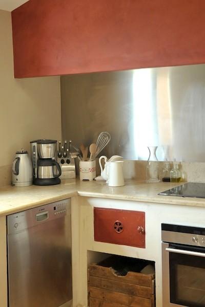 Red kitchen traditional-kitchen