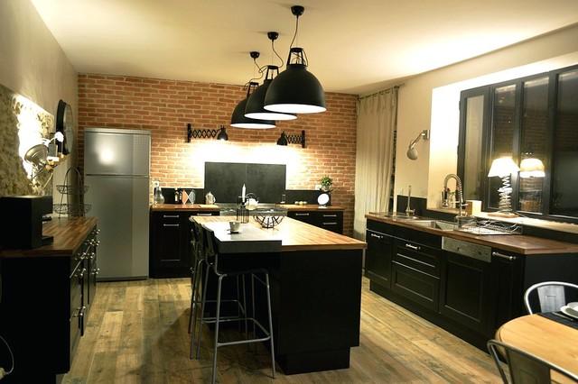 RENOVATION CUISINE MAISON ANCIENNE - GERS - Industrial - Küche ...