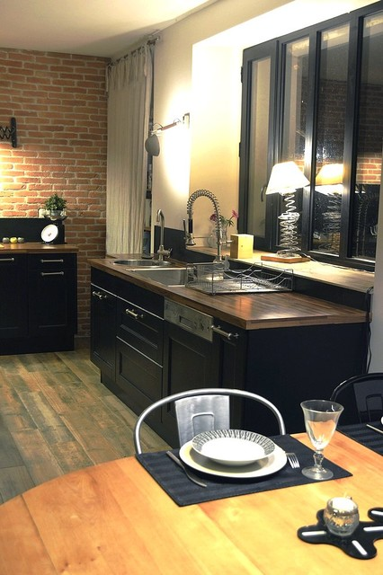 renovation cuisine maison ancienne gers industriel. Black Bedroom Furniture Sets. Home Design Ideas