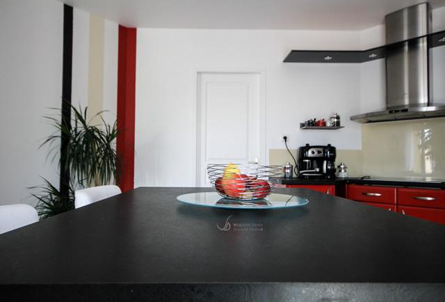 r novation d 39 une cuisine contemporary kitchen other metro by violaine denis. Black Bedroom Furniture Sets. Home Design Ideas