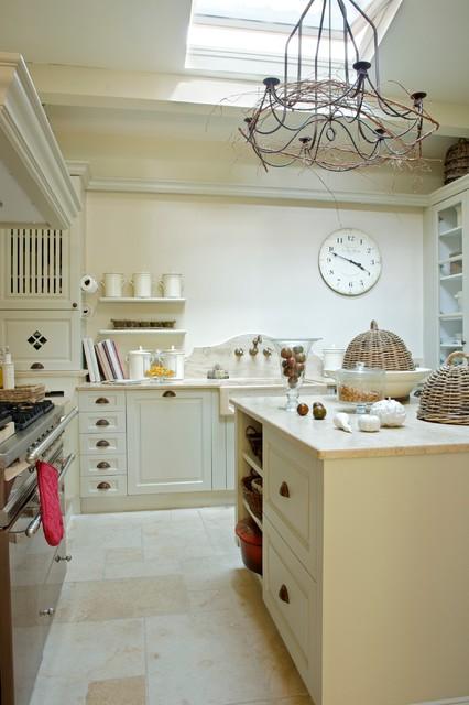 R novation d 39 une maison de famille en provence campagne cuisine marseille par - Cuisine maison de famille ...