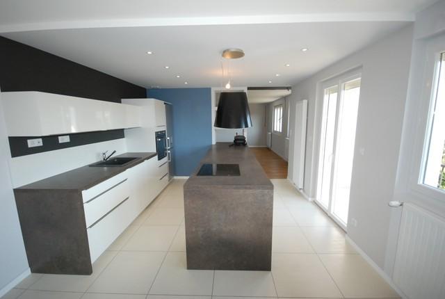 r novation maison type plan favier 100 m contemporain cuisine lyon par aproplac. Black Bedroom Furniture Sets. Home Design Ideas