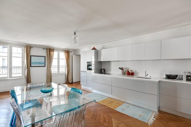 Spacieux appartement parisien for Appartement parisien decoration