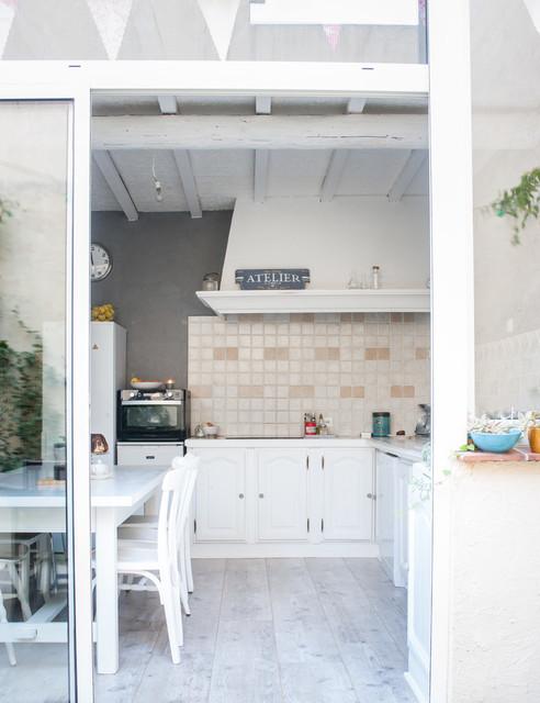 Suivez Le Guide Aur Lie Eclectic Kitchen Other Metro By Jours Nuits