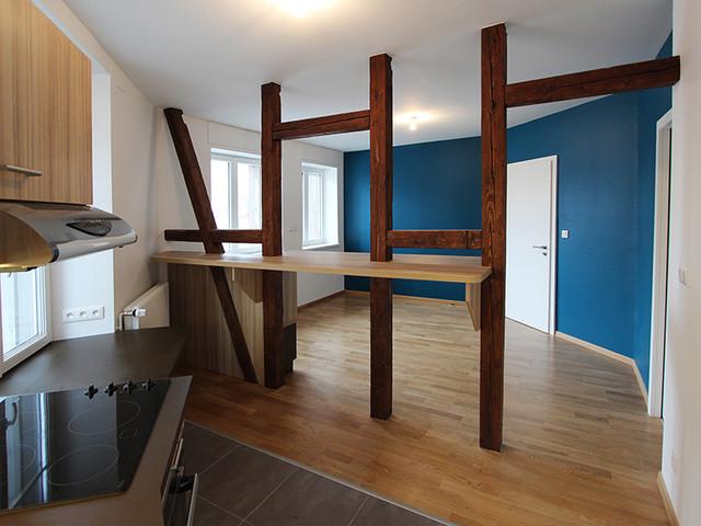 transformer un espace commercial en deux logements. Black Bedroom Furniture Sets. Home Design Ideas