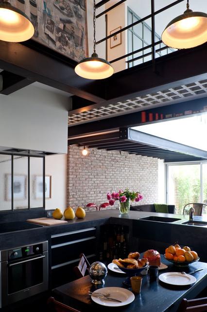un loft a bagnolet industrial kitchen other metro by isabelle rouyer architectures design. Black Bedroom Furniture Sets. Home Design Ideas