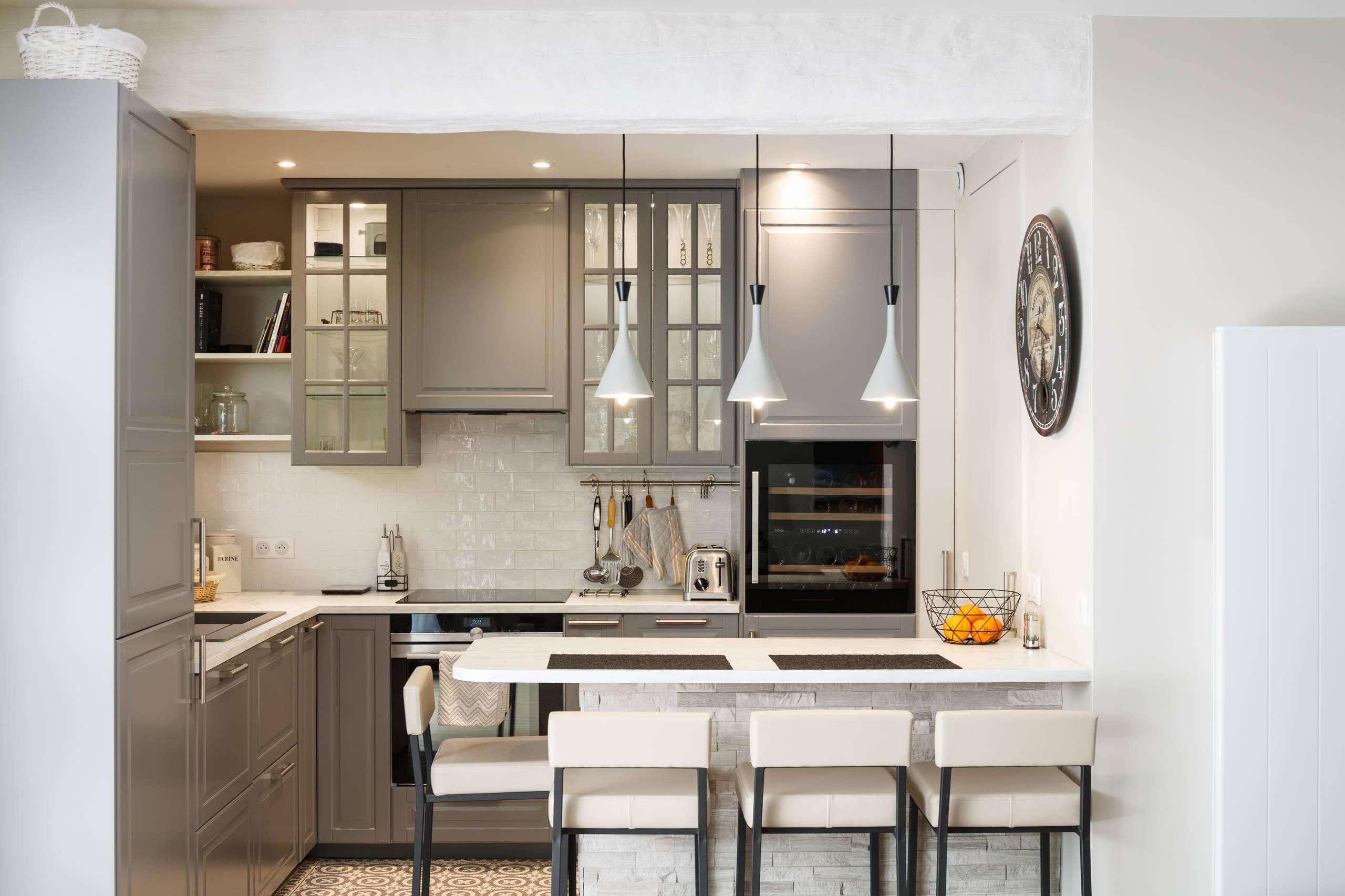 Une cuisine compacte et fonctionnelle