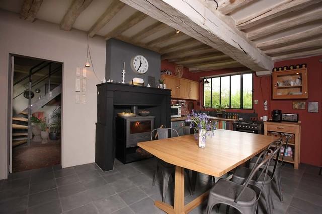 une long re en normandie classique cuisine paris par gilles targat photographe. Black Bedroom Furniture Sets. Home Design Ideas