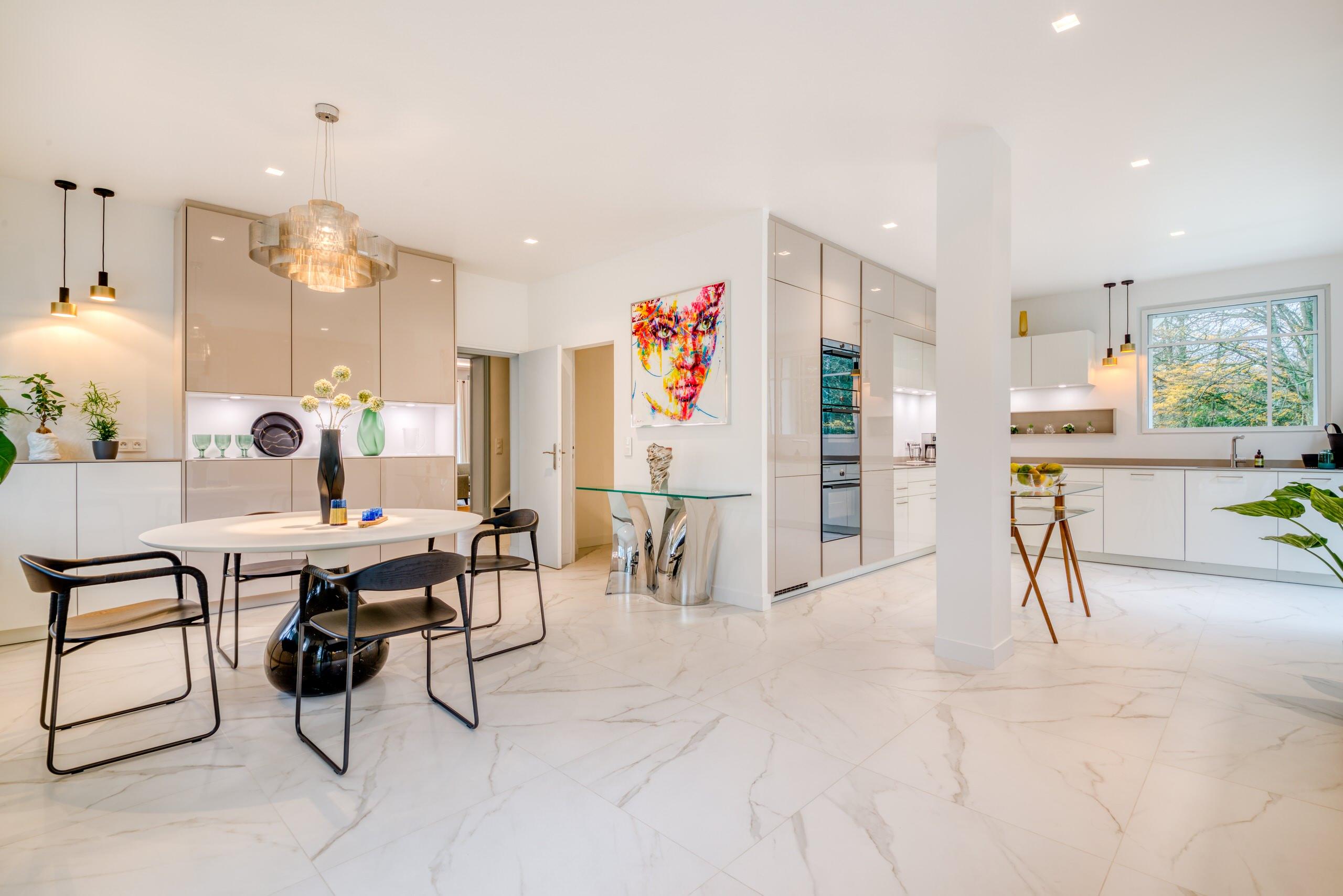 Villa de 650 m2 à Saint-Germain-en-Laye - La cuisine