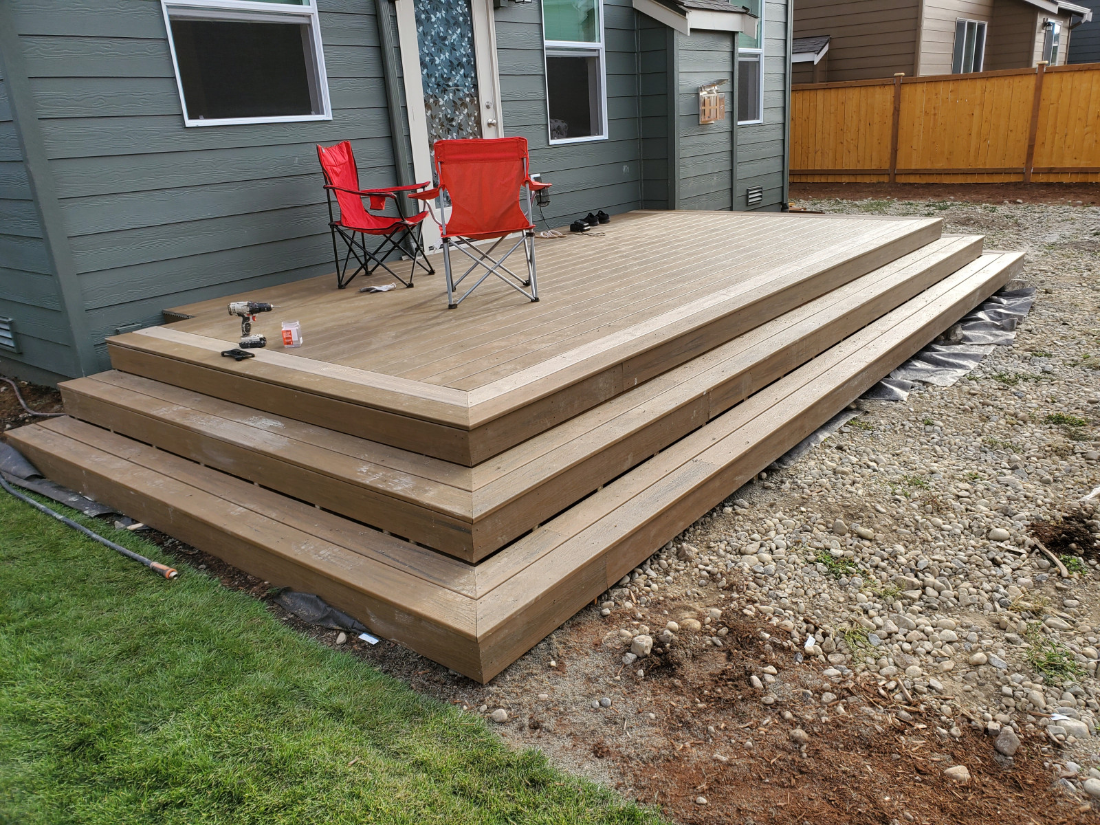 10'x20' trex deck with wrap around steps