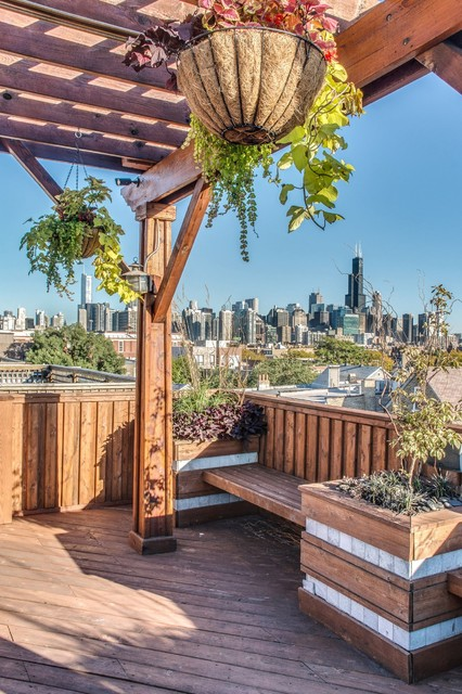 1419 Chicago Ave. traditional-deck