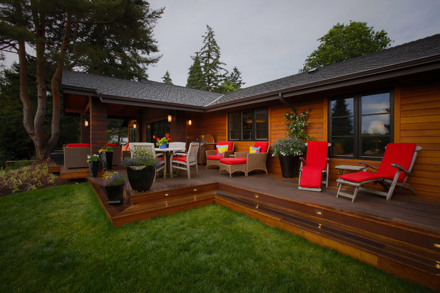 1964 ranch house transitions to 2014 modern mission deck for Deck designs for ranch homes