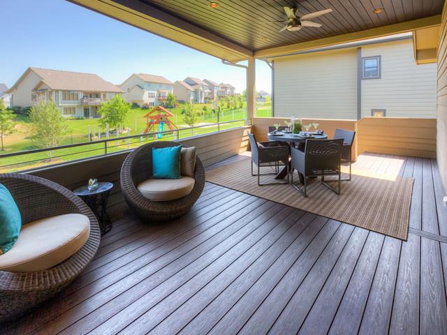 2013 HomeShow Expo contemporary-deck