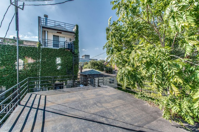 4018 S King Dr contemporary-deck