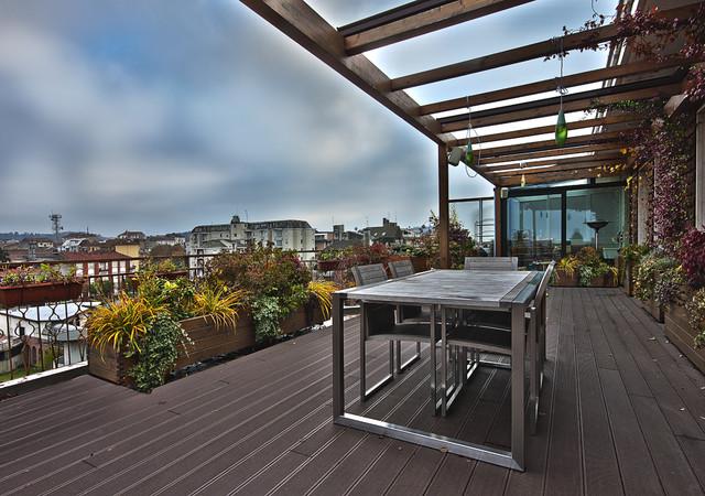 the views contemporary-deck