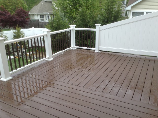 Azek Deck Wit Privacy Wall