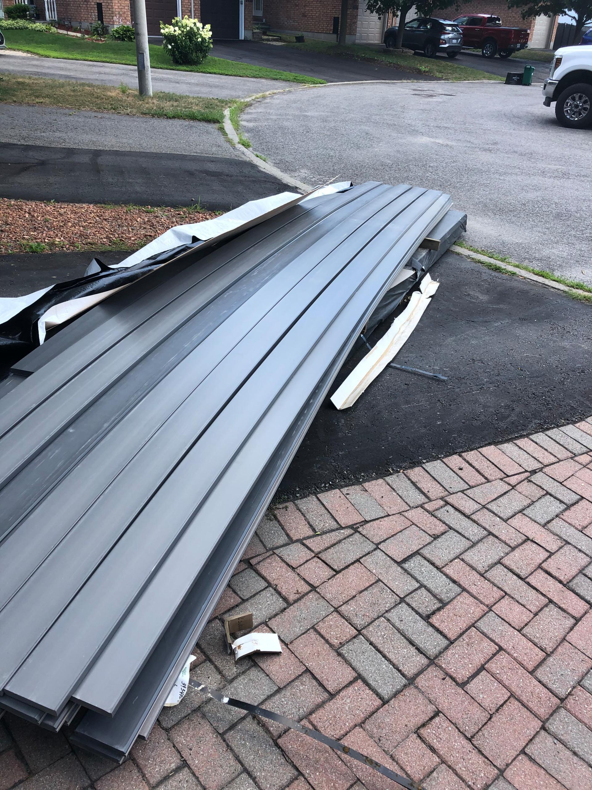 Azek-PVC-Slate Gray and Island Oak 3
