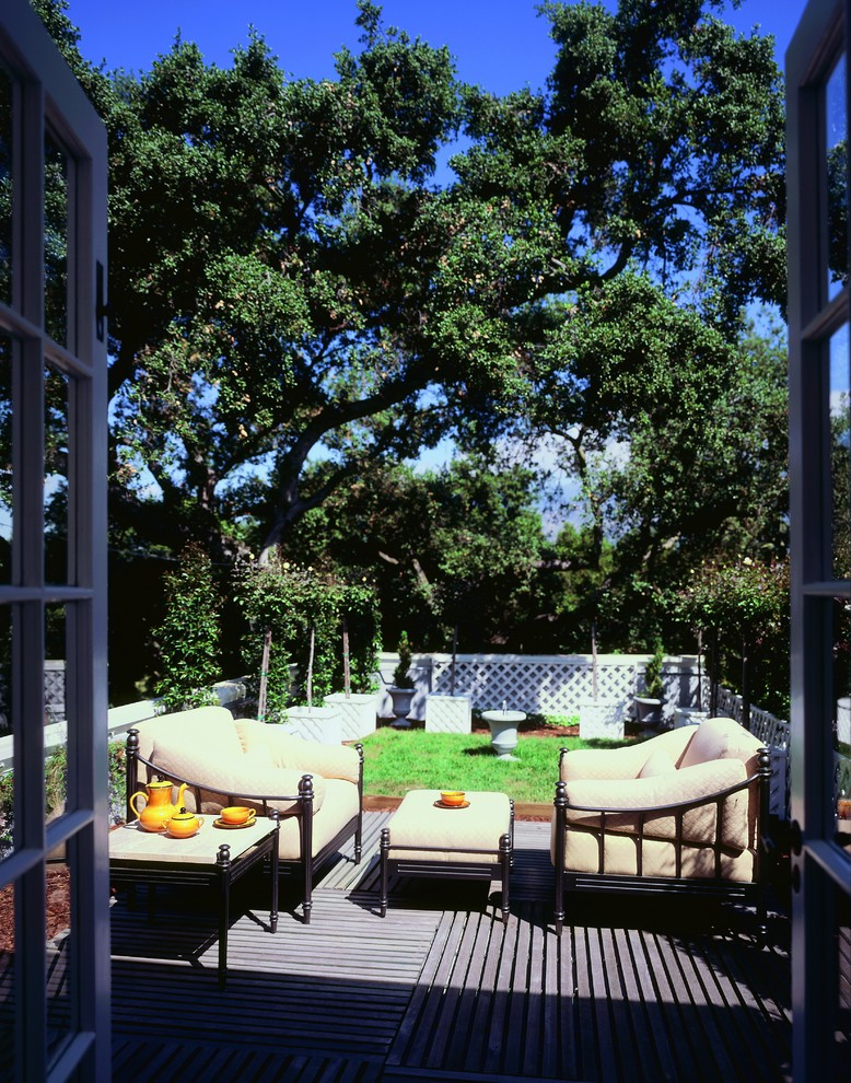 Eclectic deck photo in Los Angeles