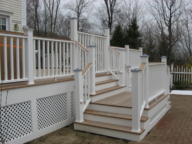 Beautiful ipe deck with no maintenance railings