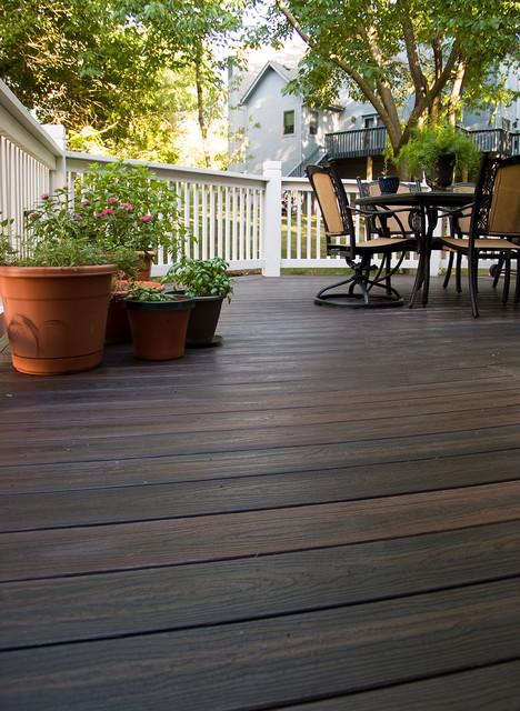 Boetcher envision composite deck in kansas city for Envision decking
