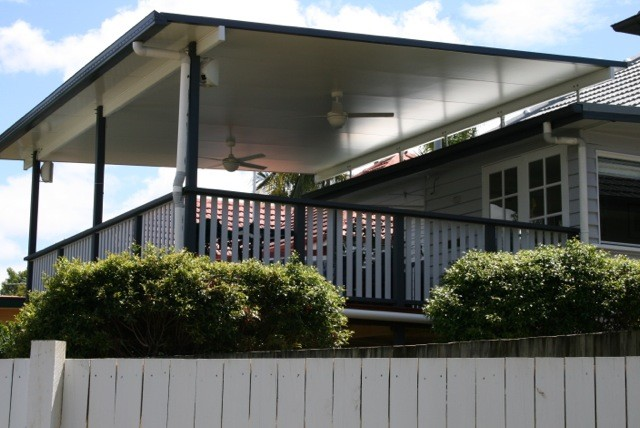 Brisbane Deck and Flyover Patio Roof Timber Balustrade - Traditional ...